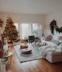 Comfy Christmas Living Room Decor Ideas23