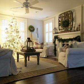 Comfy Christmas Living Room Decoration Ideas30