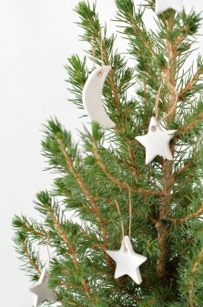Extraordinary Scandinavian Christmas Decor Ideas30