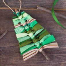 Extremely Fun Homemade Christmas Ornaments Ideas Budget29