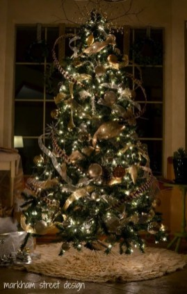 Gorgeous Rustic Christmas Tree Decoration Ideas07