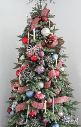 Gorgeous Rustic Christmas Tree Decoration Ideas23