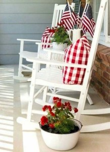 Lovely Christmas Porch Makeover Ideas25