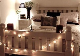 Magnificient Christmas Lighting Bedroom Ideas03