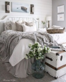 Modern Chic Bedroom Decoration Ideas07