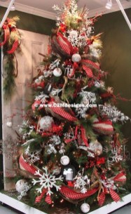 Modern Farmhouse Christmas Tree Ideas05