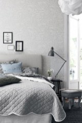 Stunning White Black Bedroom Decoration Ideas For Romantic Couples03