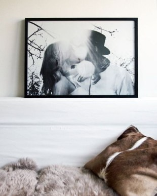 Stunning White Black Bedroom Decoration Ideas For Romantic Couples35