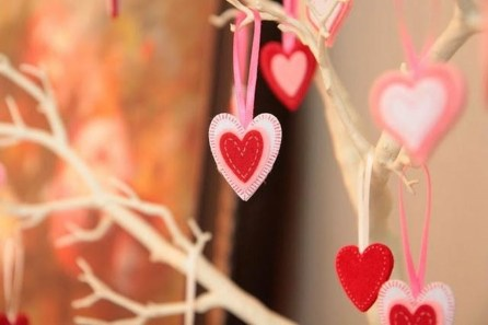 Cheap Diy Ornaments Ideas For Valentines Day18