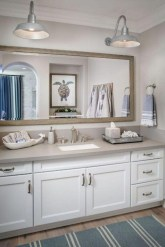 Cozy Coastal Style Nautical Bathroom Designs Ideas22