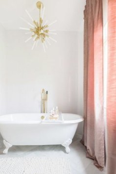 Pretty Master Bathroom Decoration Ideas For Valentines Day33