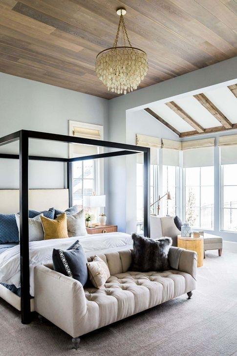 Affordable Lake House Bedroom Decorating Ideas42