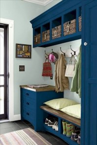 Awesome Rustic Mudroom Bench Decorating Ideas On A Budget01
