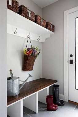 Awesome Rustic Mudroom Bench Decorating Ideas On A Budget15