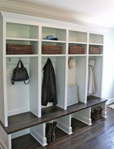 Awesome Rustic Mudroom Bench Decorating Ideas On A Budget21