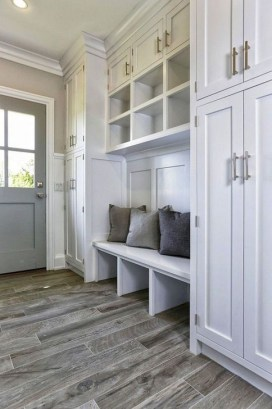 Awesome Rustic Mudroom Bench Decorating Ideas On A Budget45