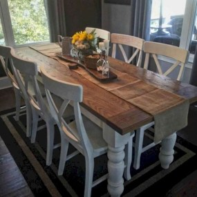 Captivating Farmhouse Dining Room Table Decorating Ideas36