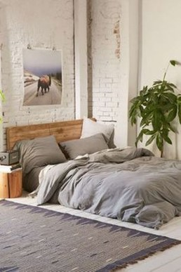 Comfy Urban Farmhouse Master Bedroom Design Ideas44