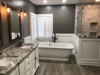 Cute Farmhouse Bathroom Remodel Ideas On A Budget05
