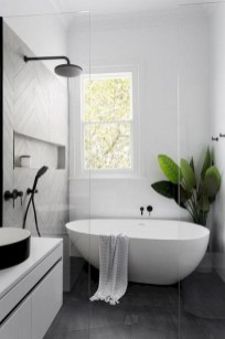 Cute Farmhouse Bathroom Remodel Ideas On A Budget20