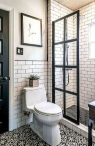 Cute Farmhouse Bathroom Remodel Ideas On A Budget31