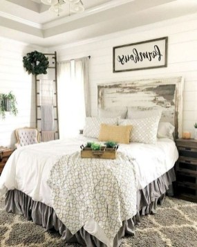 Inspiring Farmhouse Style Master Bedroom Decoration Ideas11