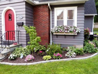 Enchanting Front Of House Landscaping Ideas17