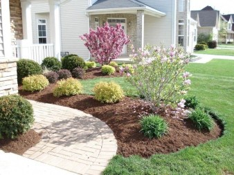 Enchanting Front Of House Landscaping Ideas37