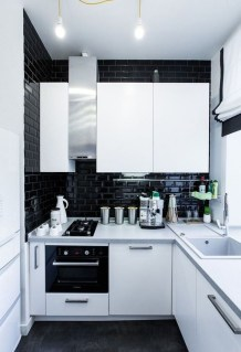Magnficient Small Kitchens Ideas With Dark Cabinets17