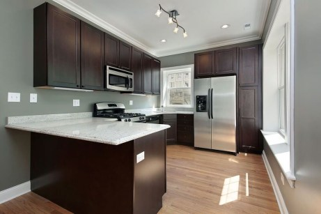 Magnficient Small Kitchens Ideas With Dark Cabinets19