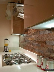 Magnficient Small Kitchens Ideas With Dark Cabinets22
