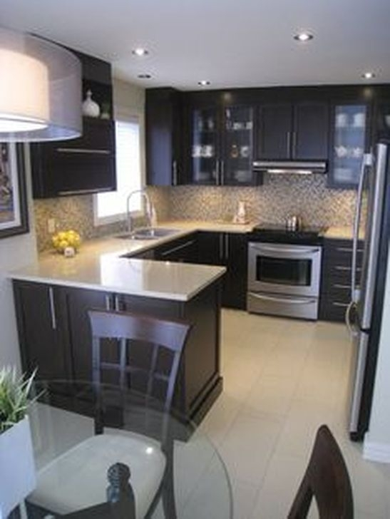 Magnficient Small Kitchens Ideas With Dark Cabinets24