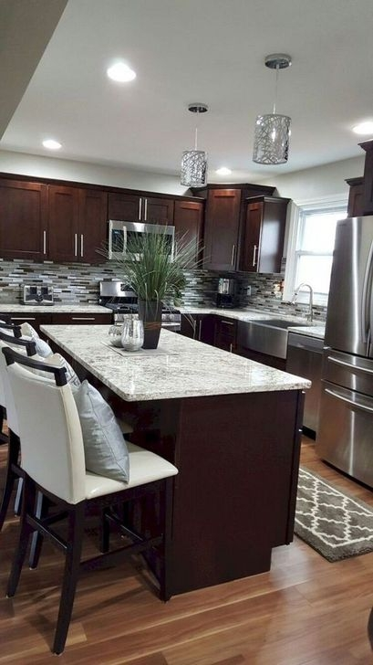 Magnficient Small Kitchens Ideas With Dark Cabinets31