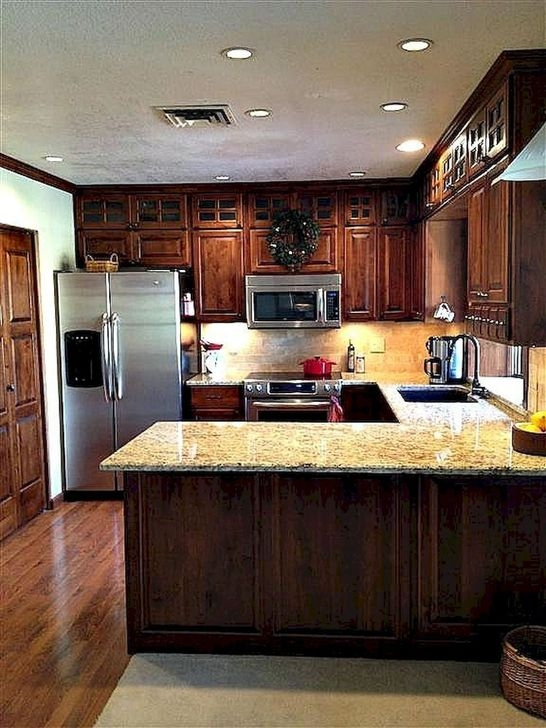 Magnficient Small Kitchens Ideas With Dark Cabinets38