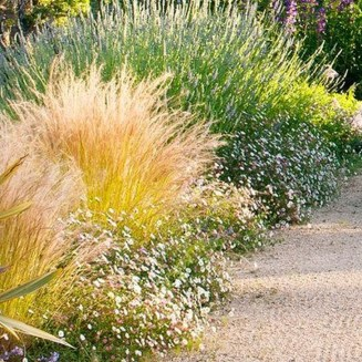 Wonderful Grass Landscaping Ideas For Home Yard06