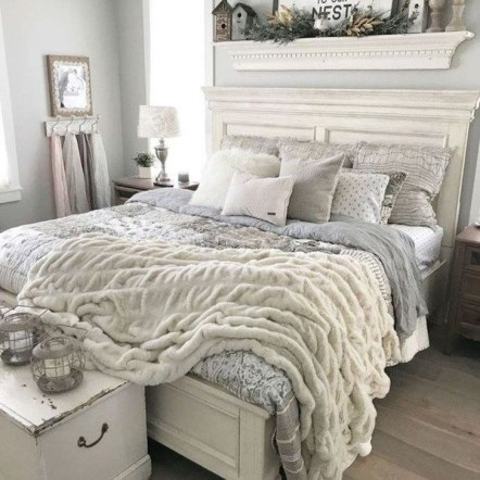 Awesome Bedroom Decor Ideas With Farmhouse Style 11
