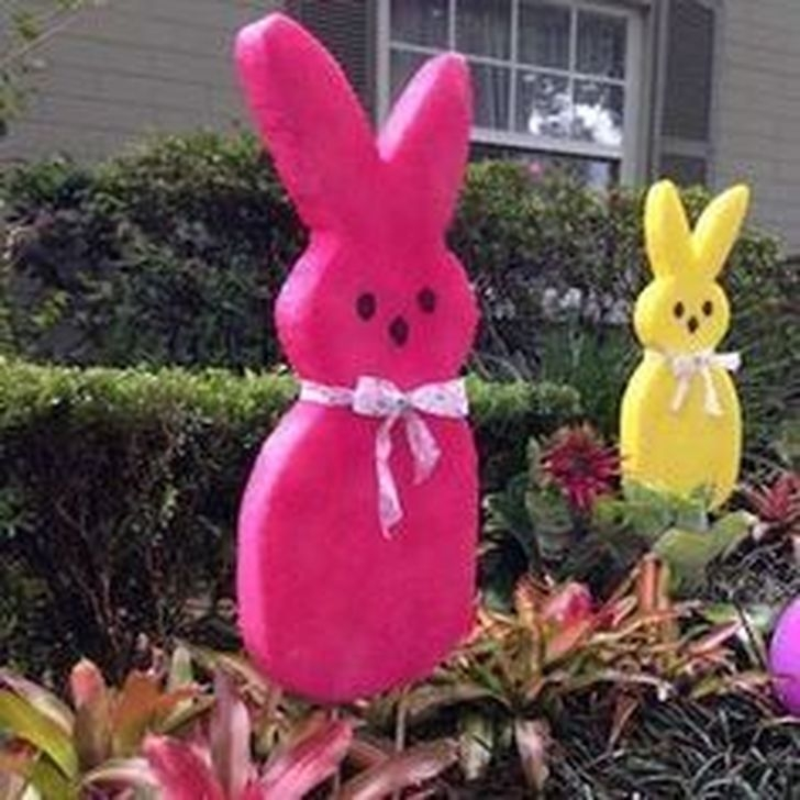 Charming Easter Ideas For Outdoor Decorations 06