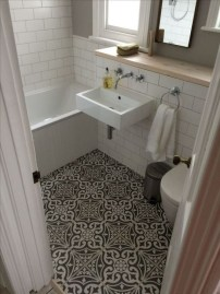 Cool Tile Pattern Design Ideas For Bathroom 37
