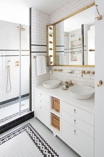 Cool Tile Pattern Design Ideas For Bathroom 43