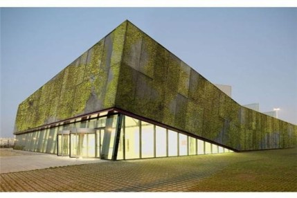 Elegant Sustainable Architecture Ideas For Green Building 28