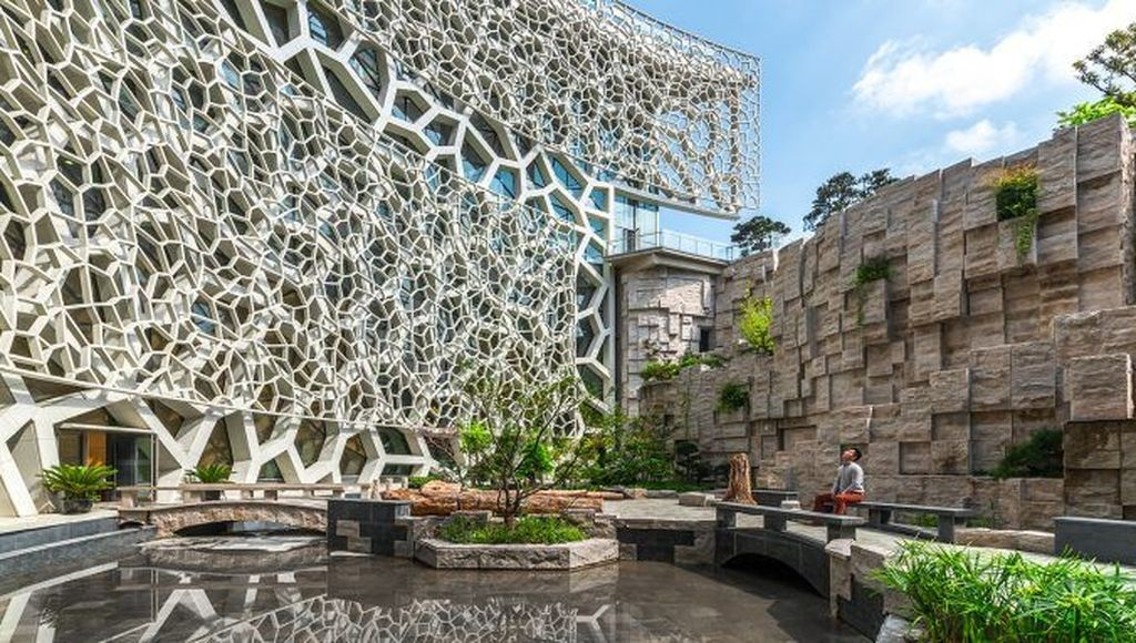 Elegant Sustainable Architecture Ideas For Green Building 29