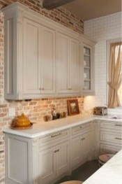 Lovely White Backsplash Design And Decor Ideas For Kitchen 03