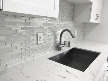 Lovely White Backsplash Design And Decor Ideas For Kitchen 21