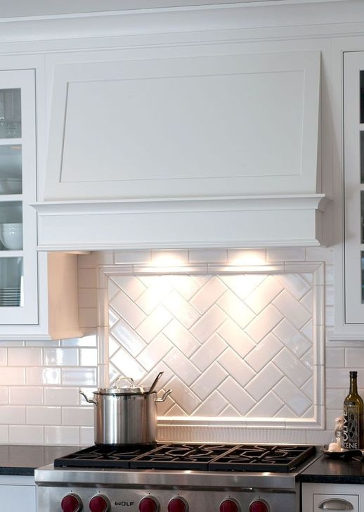 Lovely White Backsplash Design And Decor Ideas For Kitchen 35