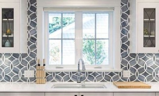 Lovely White Backsplash Design And Decor Ideas For Kitchen 36