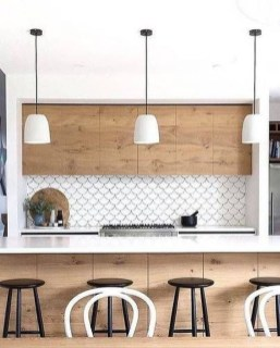 Lovely White Backsplash Design And Decor Ideas For Kitchen 45