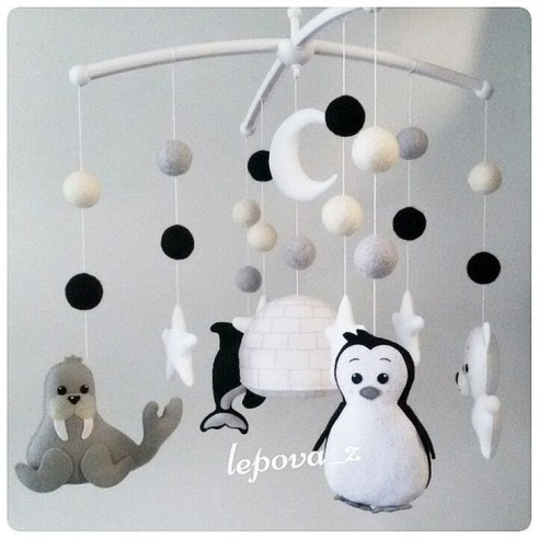 Relaxing Black And White Decor Ideas For Your Room 14