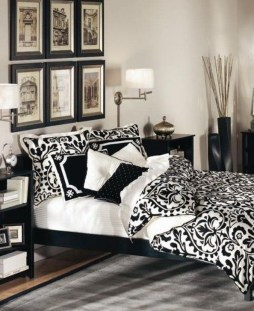 Relaxing Black And White Decor Ideas For Your Room 26