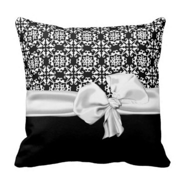 Relaxing Black And White Decor Ideas For Your Room 32