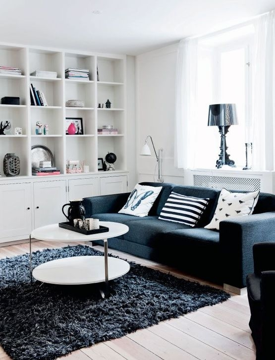 Relaxing Black And White Decor Ideas For Your Room 44